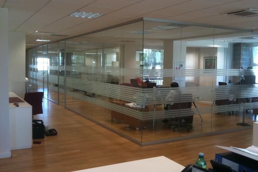 Parete Divisoria Ufficio : Pareti divisorie in vetro per ufficio ma s a s di corbella